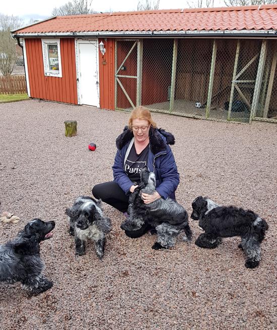 Jag med några av mina valpar <3 Rasmus, Love, Bosse & Jonna